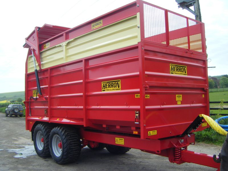 browns with Herron Silage Trailers on George Sisler likewise Helmets further Warning Lights Mean Engine Repair further Jcb 526s Loadall as well Chris brown a no show in india at ipl concert.