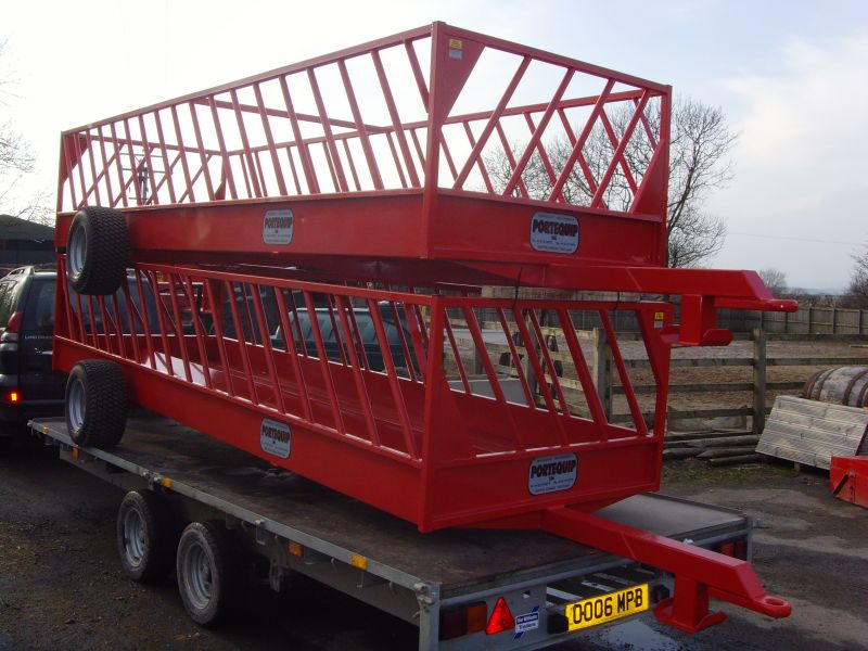 SHEEP FEED TRAILERS :: livestock equipment :: Browns